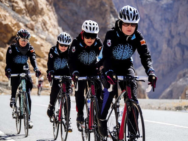 BioEcoGeo_ciclisti_afghanistan