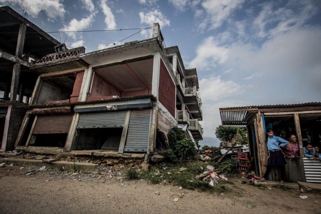Casa Demolita, villaggio di Irkhu. Quattro persone sono morte sotto le rovine.
