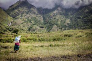 Sono centinaia le comunità montane tagliate fuori a causa delle frane e degli smottamenti dei sentieri, gli unici accessi verso campi e mercati. Siridibas.