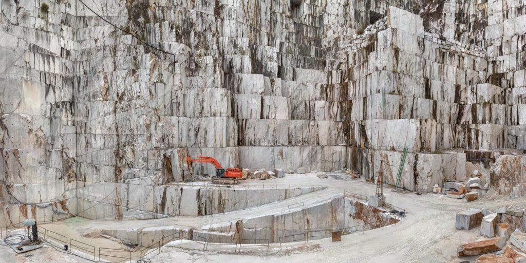 BioEcoGeo_Carrara-Marble-Quarries-Cava-di-Canalgrande
