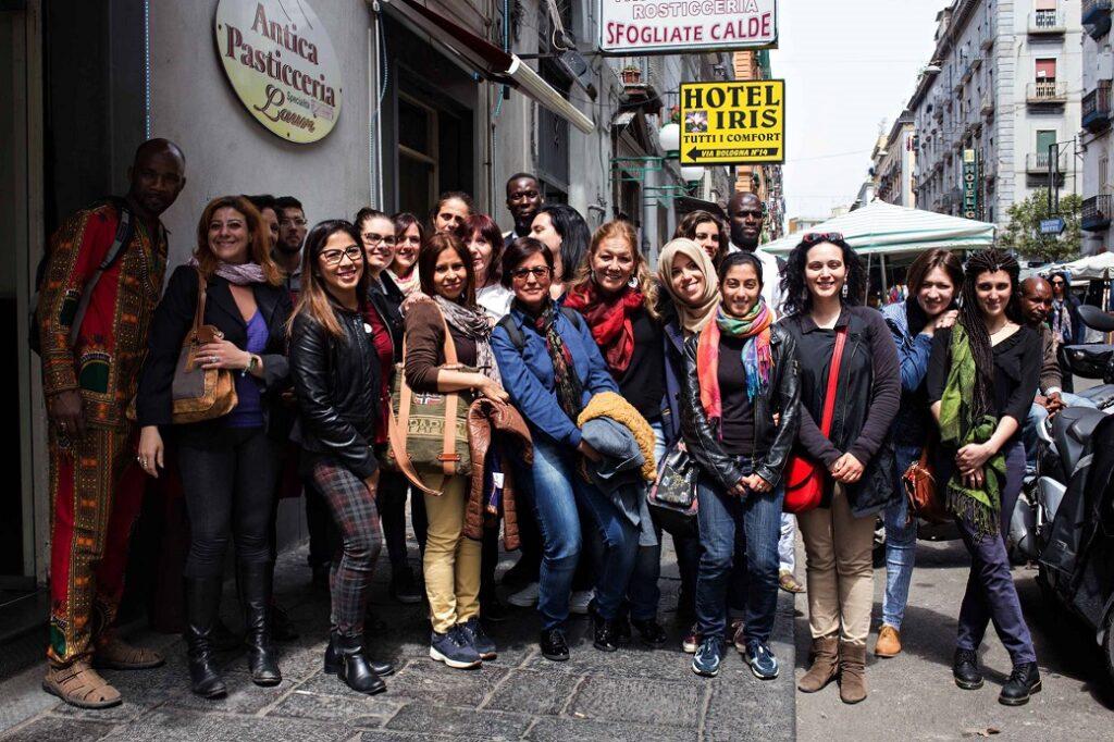 Napoli, gruppo in visita con gli accompagnatori