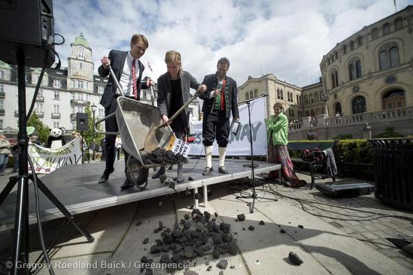Pictured (Left to Right ) Torstein Tvedt Solberg ( Labor Party, Finance Committee , chair of Oil Fund process ), Marianne Martinsen ( Labor Party, Finance Committee ), Arild Hermstad ( Framtiden i Våre Hender ) Protest Groups including Greenpeace, WWF, and Framtiden i Våre Hender ( Future in our Hands ) gather outside Stortinget ( Norwegian Parliament ) to encourage the government to divest the Norwegian pension fund from coal investment.