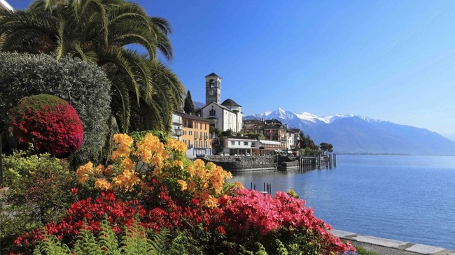 Brissago im Tessin   Photo by Christof Sonderegger