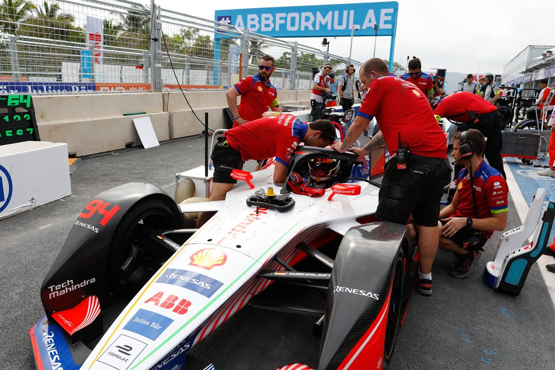 94 WEHRLEIN Pascal (ger), Mahindra M5Electro team Mahindra racing, stand pit lane during the 2019 Formula E championship, at Sanya, China from march 21 to 23, 2019 - Photo Frederic Le Floc'h / DPPI